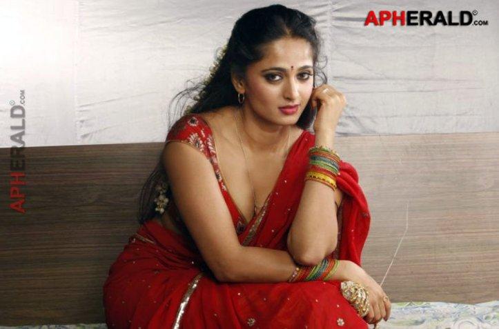Anushka-Shetty-Unseen-Hot-Pics1